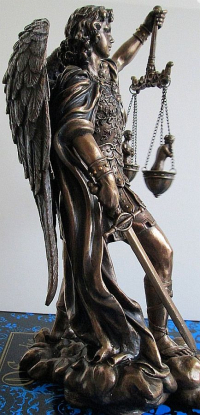 Saint-michael-statue-weighing-souls-rightside-US-WU75218A4