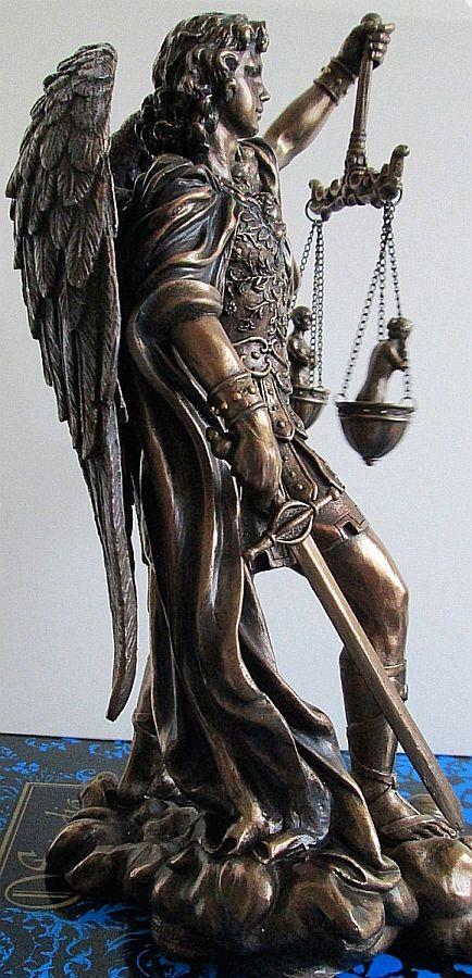 Saint-michael-statue-weighing-souls-rightside-US-WU75218A4